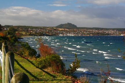 Taupo-shoreline-nz